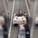 原因はあおり運転?大阪にてフェラーリ「488スパイダー」を何度も叩きつける原付ドライバが登場【動画有】