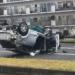 ナゼこんなことに…大阪府にてタイムズカーシェアのマツダ「デミオ(Mazda2)」がとんでもない大事故に。しかもエンジンが飛び出すほどにスピードを出していた模様