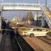 一体ナゼこんなことに…岐阜県にて、トヨタ「クラウン」が駐車場のフェンスを突き破って線路にダイブ。ドライバーは80代の高齢で誤操作が原因か?