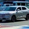 遂に来た!フルモデルチェンジ版・ホンダ新型ヴェゼルの開発車両が目撃に。更にアグレッシブでスポーティ、まるで欧州SUVのようなデザインだ