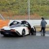【世界最速の事故】日本で唯一納車されたマクラーレン・スピードテールが世界最速クラッシュ。富士スピードウェイのストレートでスピンしてフロントが大破【動画有】