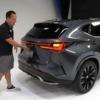 フルモデルチェンジ版・レクサス新型NXのフロント・リヤウィンカーの点滅場所はどこ?そしてドアハンドルの開け方が特殊過ぎて慣れるのに大変そうだ【動画有】