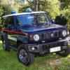 何コレ凄い!スズキ新型「ジムニー・シエラ」10台がイタリアの警察車両に採用。専用ボ