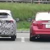 北海道にてフルモデルチェンジ版・日産の新型ノートらしき開発車両が目撃に。隣のV37