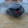 一体なぜ?トヨタ新型RAV4がとてつもない勢いで自宅のフェンスを突き破る大事故が発生