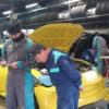 トヨタ「86」ベースのランボルギーニ「ウルス」風ピックアップトラックのカスタム風景
