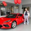 【世界最高齢!】90歳の男性にフルモデルチェンジ版・シボレー新型コルベットC8納車!