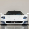 あの「エンツォ・フェラーリ」ベースのマセラティ「MC12」がオークションにて登場。予