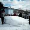 雪だるま?いえいえ、雪ヴェンタドールです。大学生が雪だけで製作したランボルギーニ