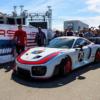 衝撃のデビューを果たしたポルシェ「935クラブスポーツ」がラグナセカを走る。早速動
