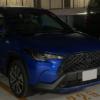 【何と目撃場所はホテルの駐車場】トヨタ新型カローラクロスの量産仕様をスパイショッ