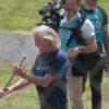 あのジェームズ・メイ氏が今度は鈴鹿サーキットに現れた!何と竹箒を持ってシケインを