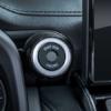 フルモデルチェンジ版・トヨタ新型ランドクルーザー300(LC300)のインテリア細部をイン