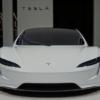 テスラ「ロードスター」の改良モデルが欧州にてデビュー。0-100km/h加速時間はやっぱ