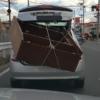 今日のプリウス…兵庫県にて、とんでもない積載に加えて心霊写真のようなものが写るト