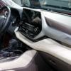 【内装の質感ヤベェ…】フルモデルチェンジ版・トヨタ新型「ハイランダー(日本名:クル