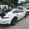 マレーシアにて、無理やり追い越しを掛けたプロトンがポルシェ「911GT3RS」とクラッシ