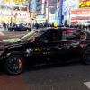 東京都内にて、何とも過激なレクサス「GS F」のタクシーが登場。出現頻度はかなり高い