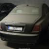 エストニアの地下駐車場にて、長期間放置されているロールスロイス「ゴースト」が目撃