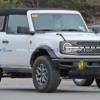 フルモデルチェンジ版・フォード新型ブロンコに早くも2ドア&ソフトトップが登場?ス