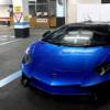 スペインにて、美しいブルーカラーのランボルギーニ「アヴェンタドールSV・ロードスタ