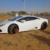 カタールの砂漠にて、ランボルギーニ「ウラカン」を豪快にスタック&ドリフト、なぜ?