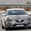 ルノー・新型「メガーヌ」の開発車両をキャッチ。遂にハイブリッドモデルが登場か?