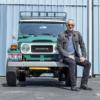 俳優トム・ハンクスさんの愛車トヨタFJ40ランドクルーザーが競売へ。社外エンジンスワ