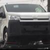 目撃されているトヨタ・新型「ハイエース」は海外輸出向けモデルのみ?日本仕様との違