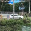 これは酷い…福岡県・中洲にてタクシードライバと若者がモメ事?タクシーが若者を轢い